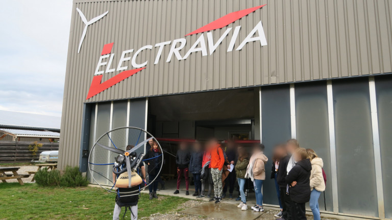 ELECTRAVIA_2 flou